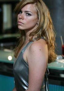 Hannah Baxter / Belle